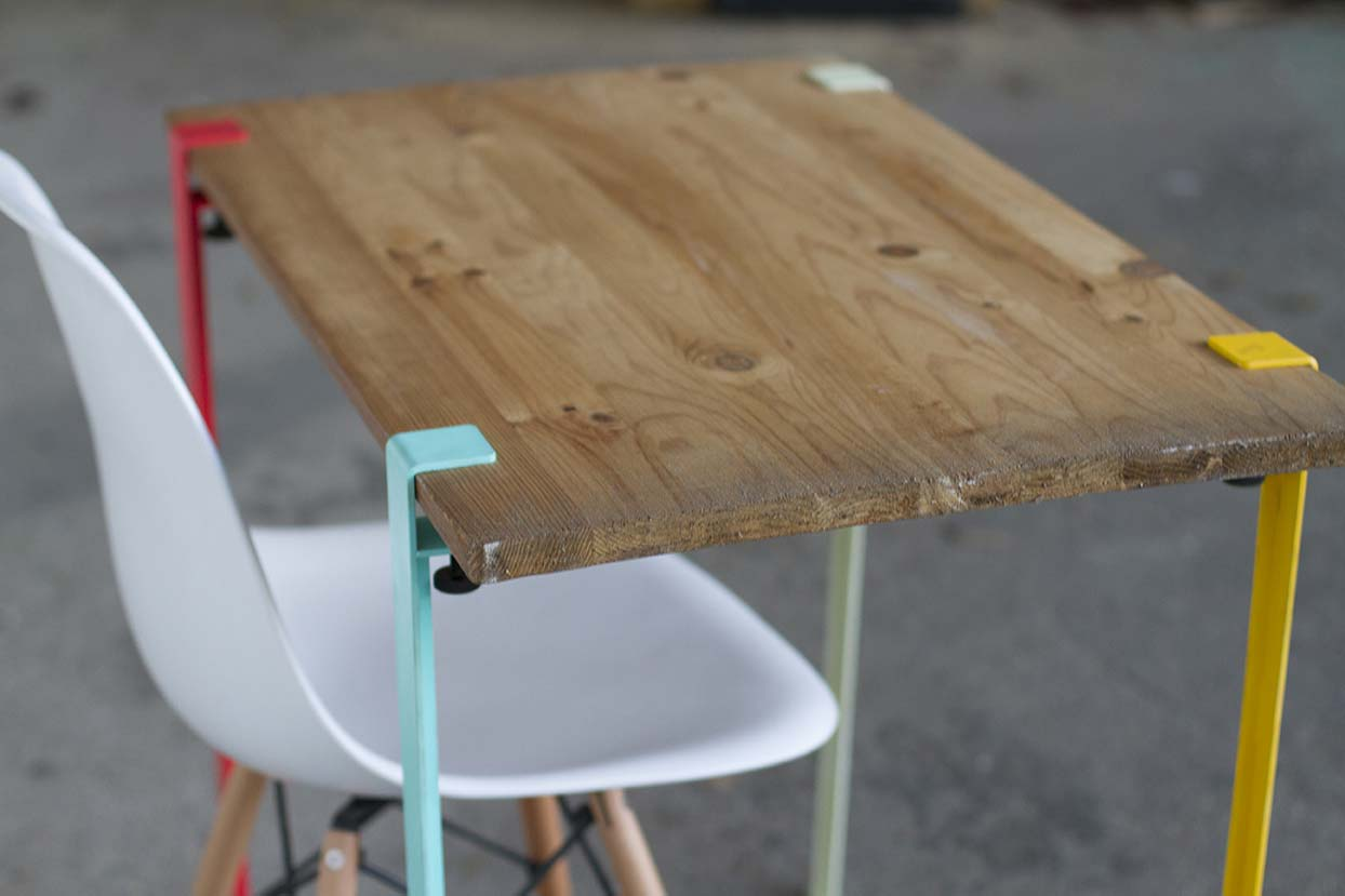 Id e d co de pieds de table for Pied en bois pour table