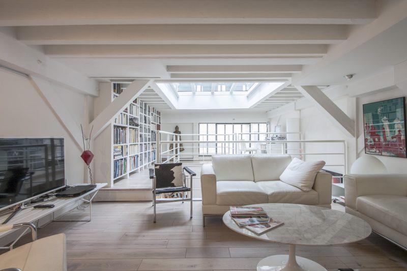 loft avec toit terrasse en verre paris. Black Bedroom Furniture Sets. Home Design Ideas