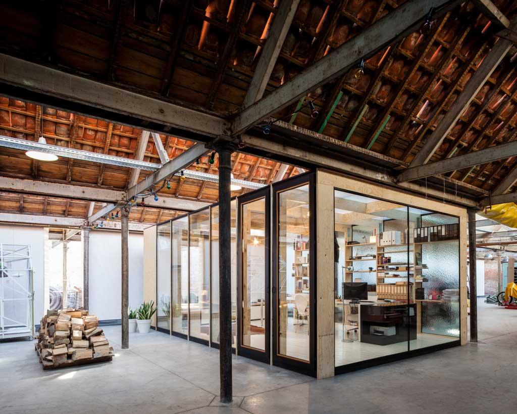 Loft dans une usine brute de 860 m²