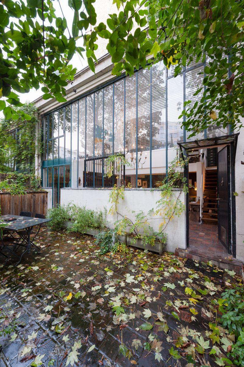 atelier reconverti en loft avenue jean moulin paris. Black Bedroom Furniture Sets. Home Design Ideas