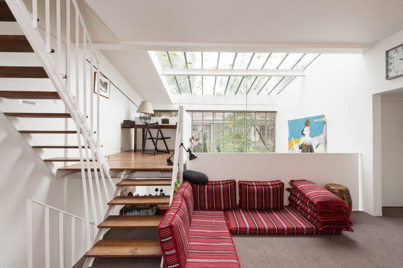 Atelier reconverti en loft avenue jean moulin paris - Acheter un loft a paris ...