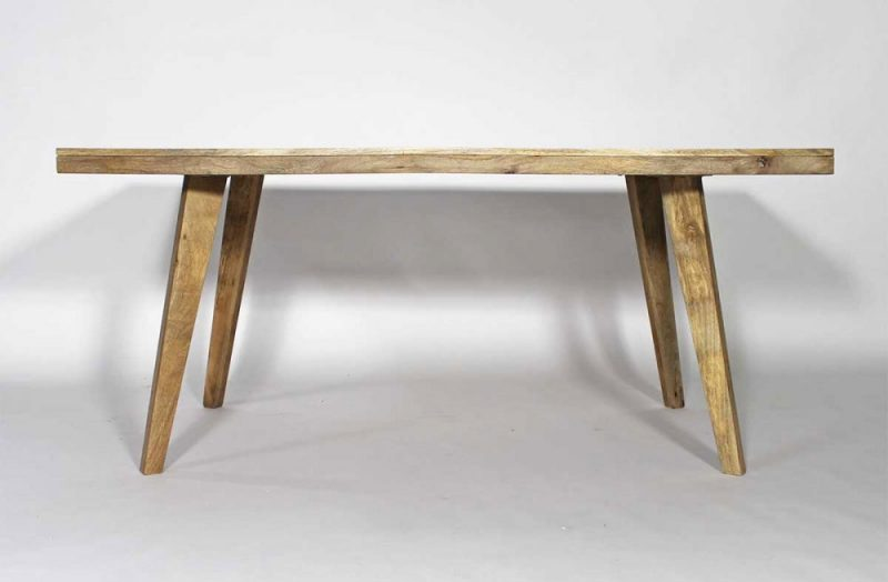 Table scandinave en bois massif