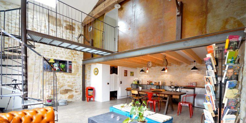 Loft dans un ancien corps de ferme à Tizac-de-curton