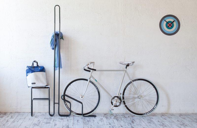 Porte vélo avec portemanteau