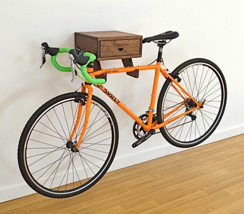 Support vélo mural avec tiroir