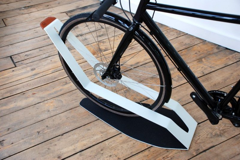 Range Vélo De Sol Design