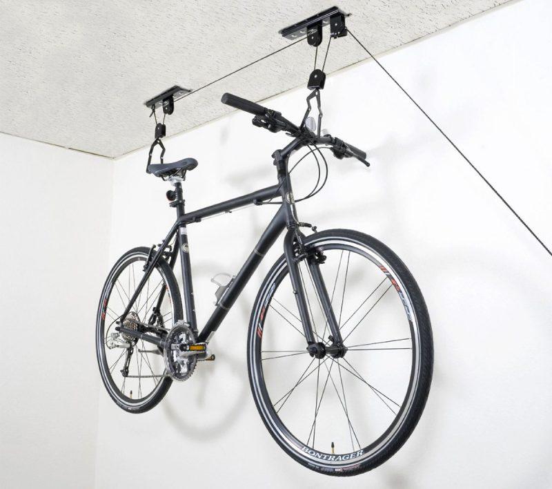système pour suspendre un vélo au plafond