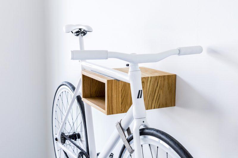 porte v lo mural et support 23 id es d co. Black Bedroom Furniture Sets. Home Design Ideas