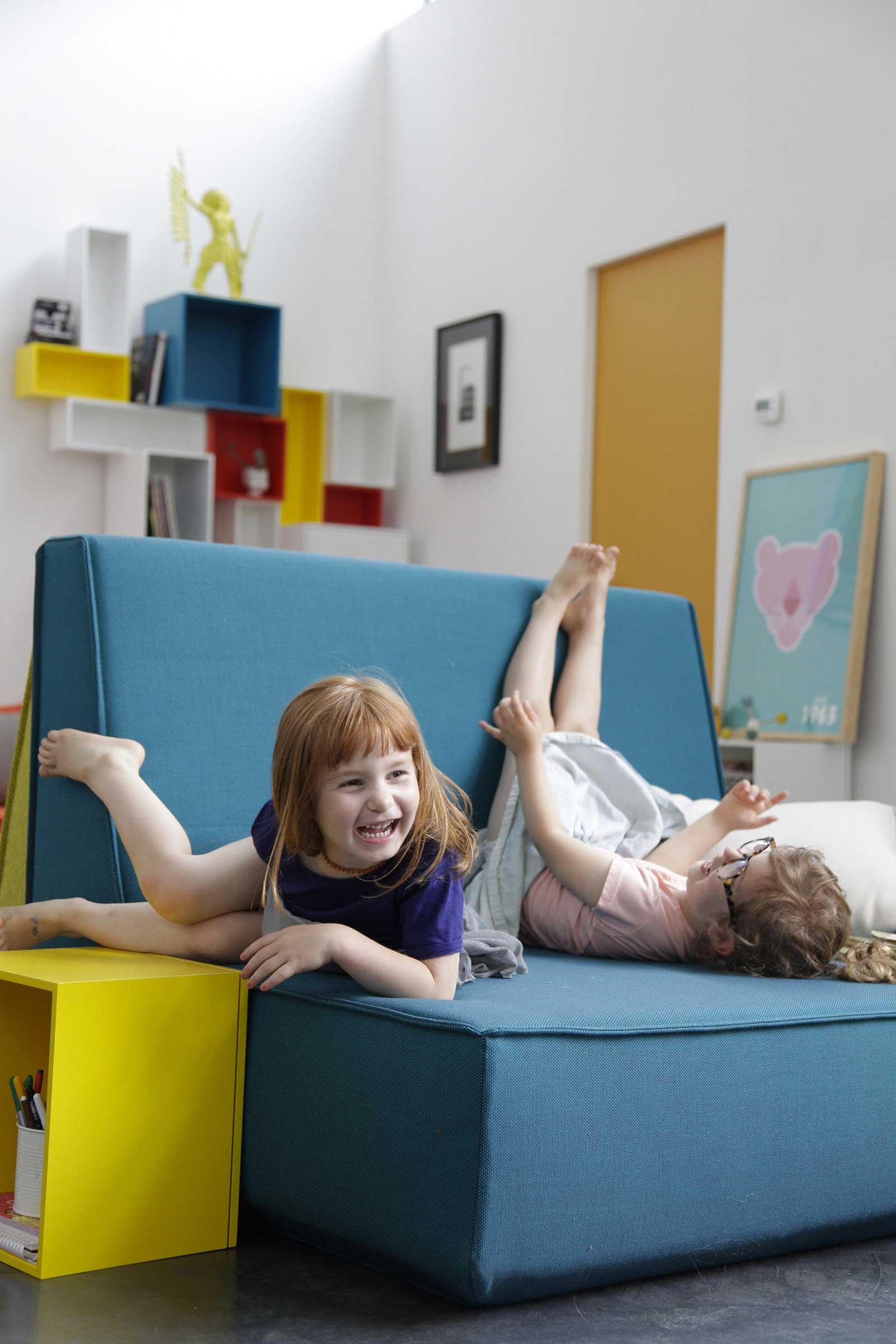 Le mobilier cubit a envahi notre loft - Les petits meubles de marie ...
