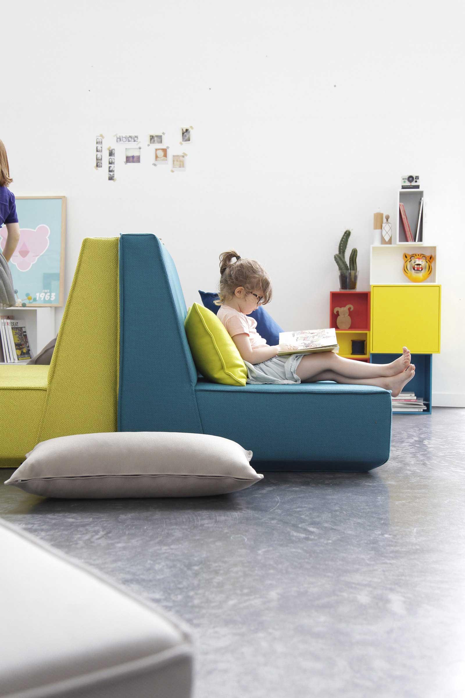 Canapé et étagère Cubit