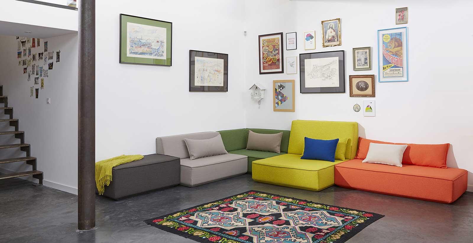 Canapé multicolore