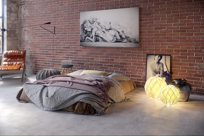 chambre dans un loft industriel. Black Bedroom Furniture Sets. Home Design Ideas