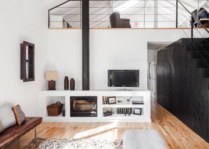 Foyer d'insert intégré dans un meuble