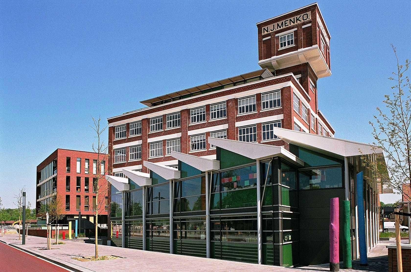 Ancienne usine textile avec une tour - Acheter ancienne usine ...