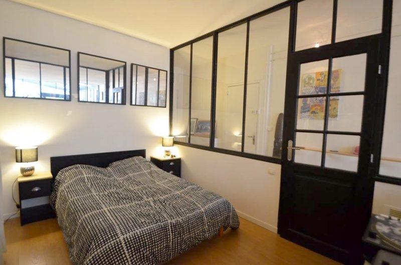 Chambre avec verrière atelier