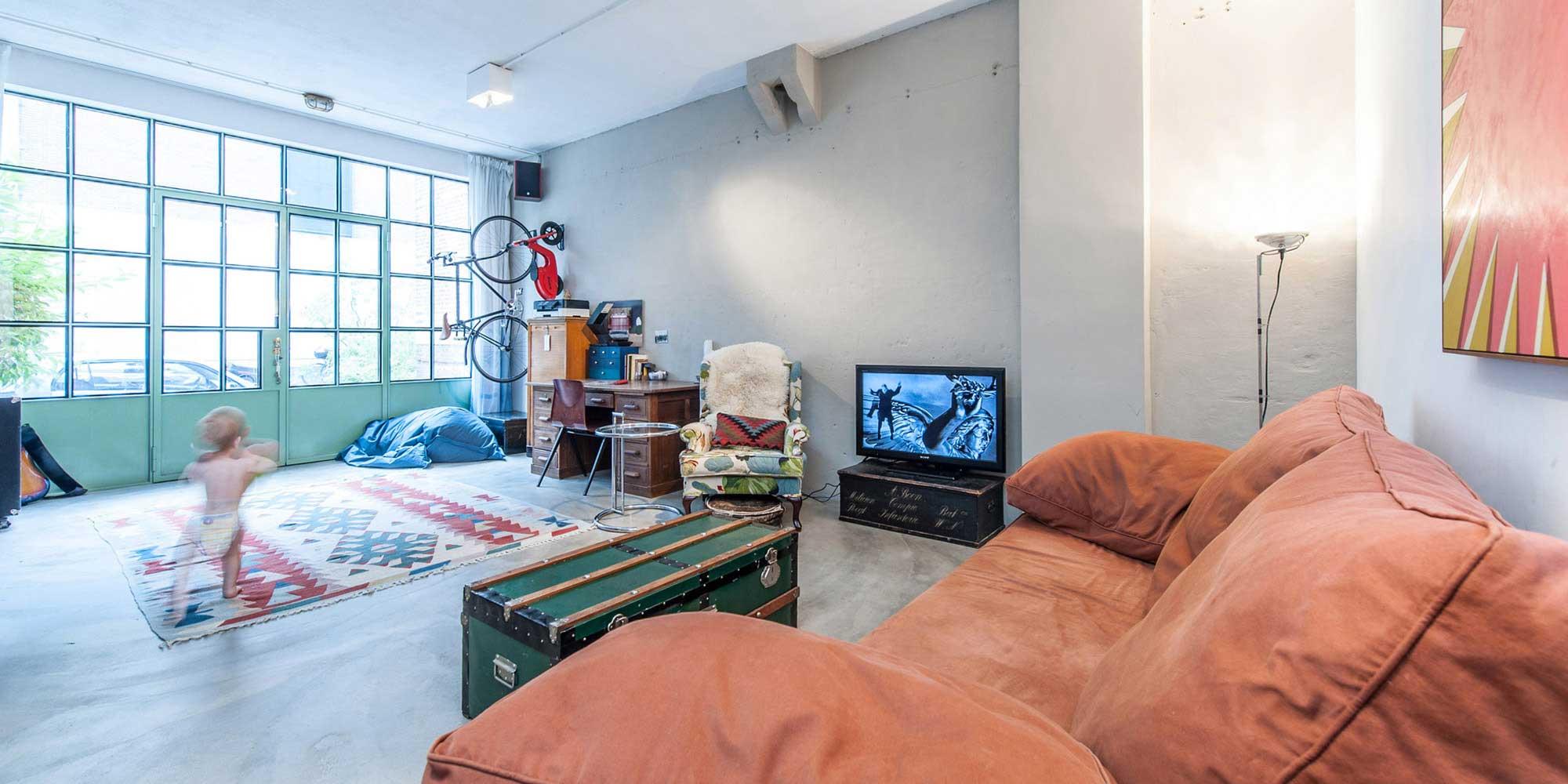 Loft dans un ancien garage par Studio Appelo