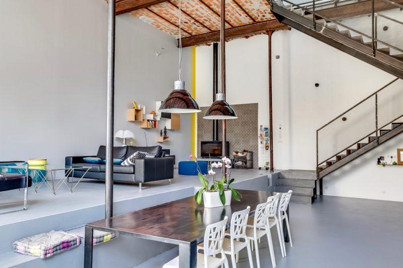 Loft avec plafond vouté en briques
