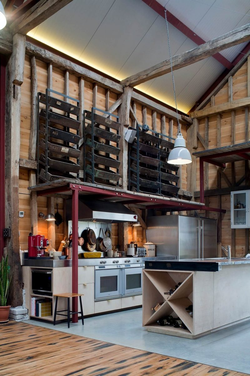 Loft dans une grange par liddicoat goldhill - Rehabiliter une grange ...