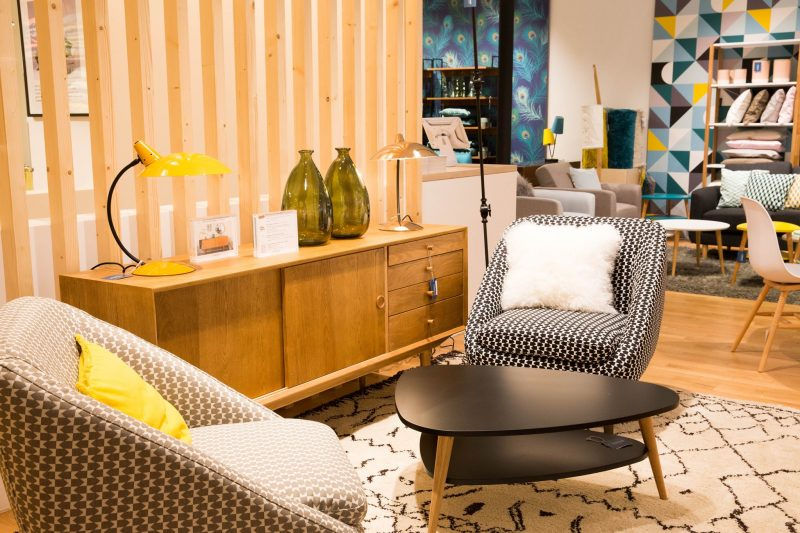 la redoute int rieurs ouvre sa premi re boutique. Black Bedroom Furniture Sets. Home Design Ideas