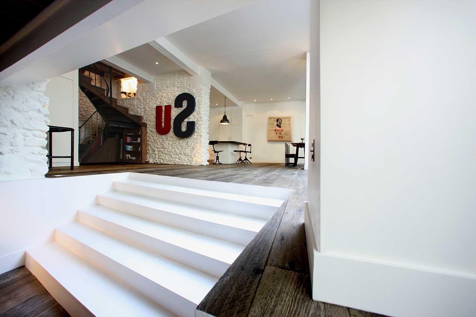 Loft avec verri res montmartre for Salon du bois paris
