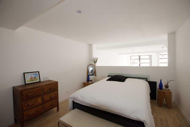 id e d am nagement pour un loft en longueur. Black Bedroom Furniture Sets. Home Design Ideas