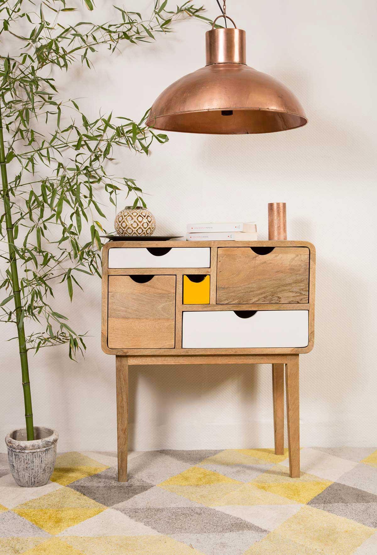 commode avec pieds hauts. Black Bedroom Furniture Sets. Home Design Ideas