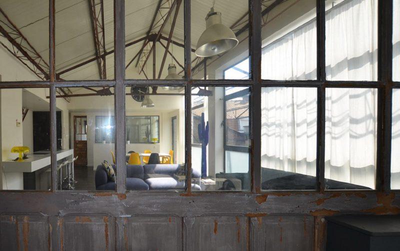 Portes anciennes vitrées dans un loft