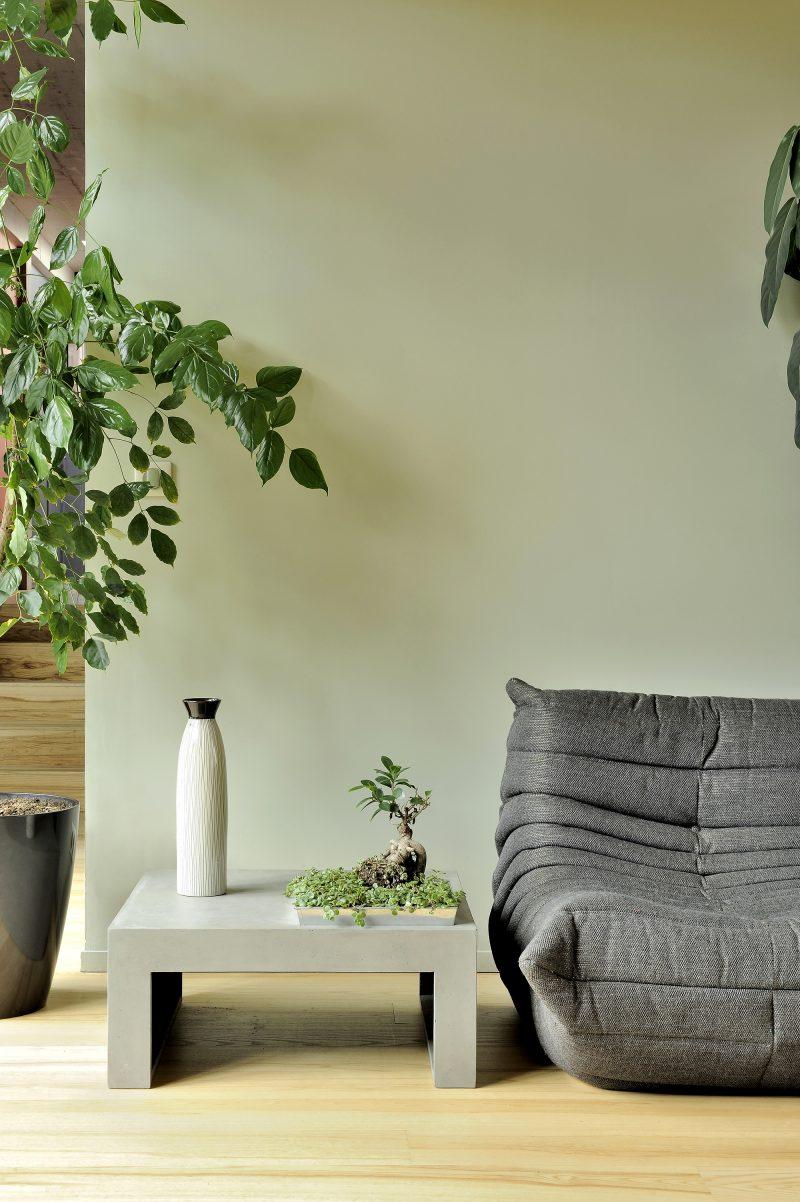 Petite table en béton