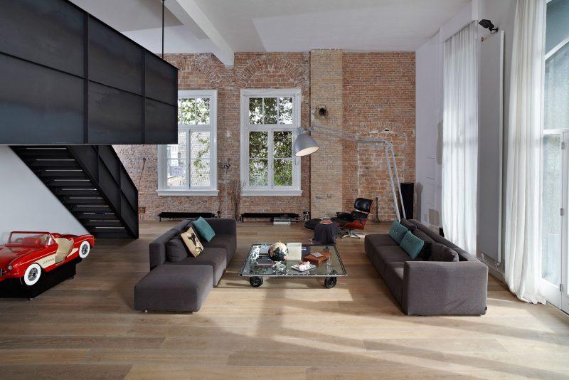 Mezzanine en métal noir