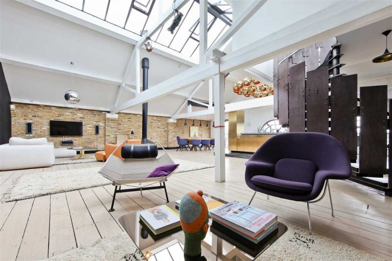 loft dans le metropolitan wharf building londres. Black Bedroom Furniture Sets. Home Design Ideas