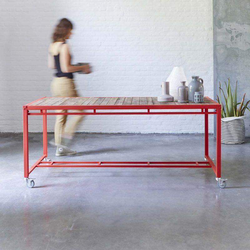 Table Karpenter métal rouge