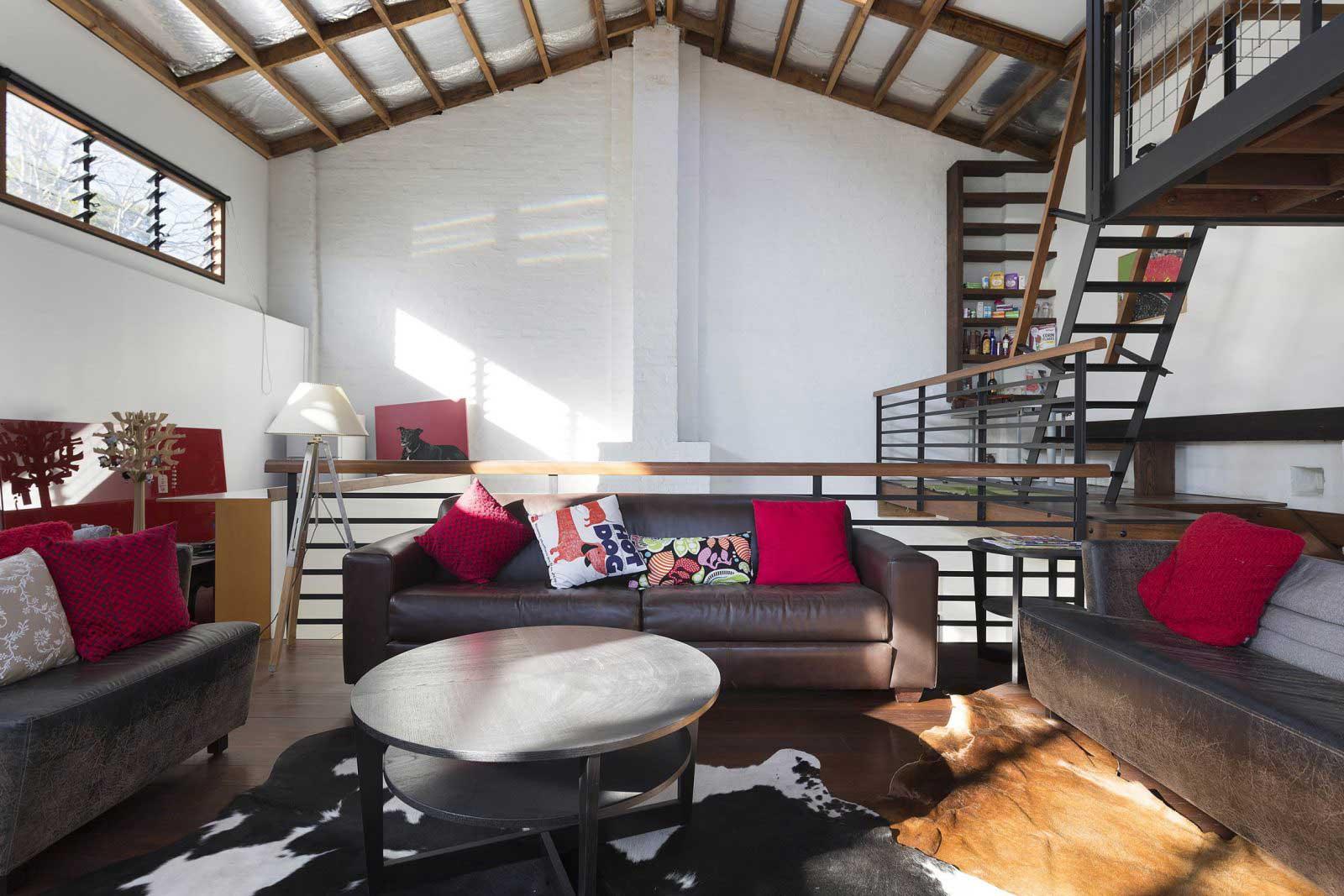 loft avec bureaux dans un entrep t sydney. Black Bedroom Furniture Sets. Home Design Ideas