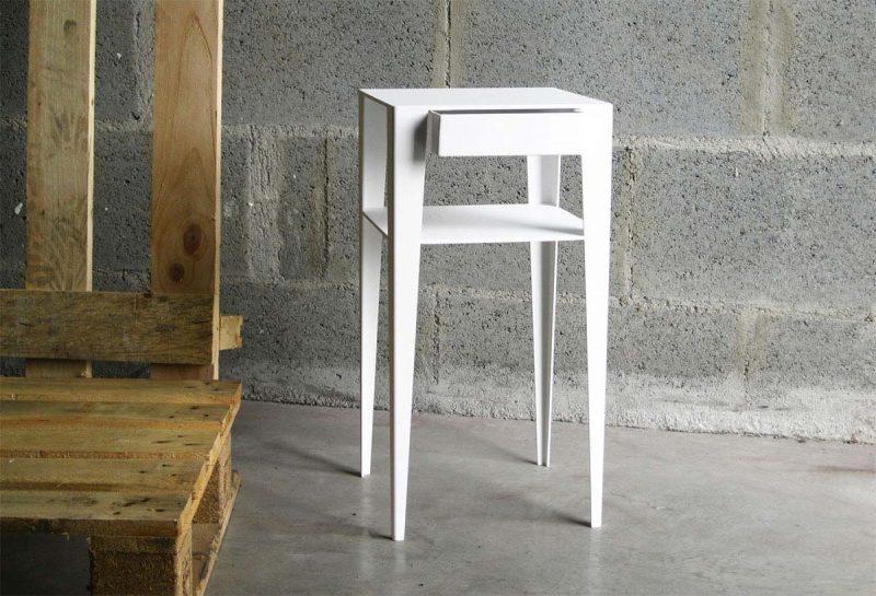 Table de nuit moderne blanche