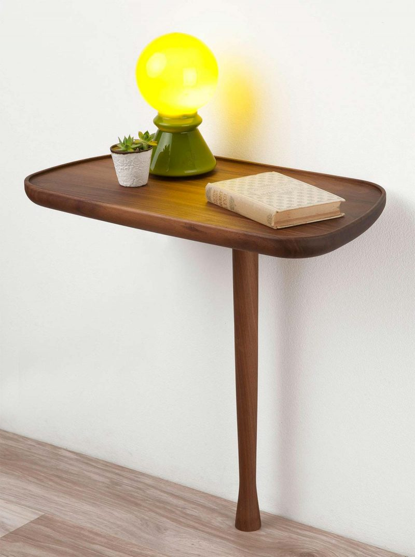 Table de nuit originale avec un seul pied