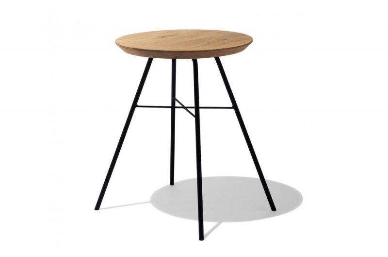 Tabouret utilisé en table de nuit