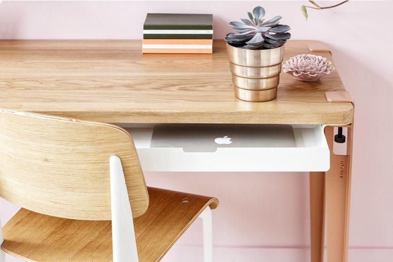 Bureau avec tiroirs