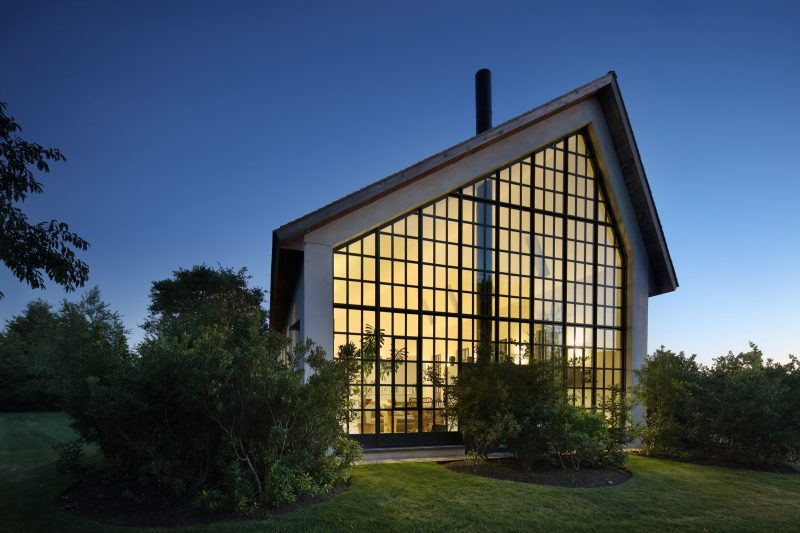 Maison avec façade verrière