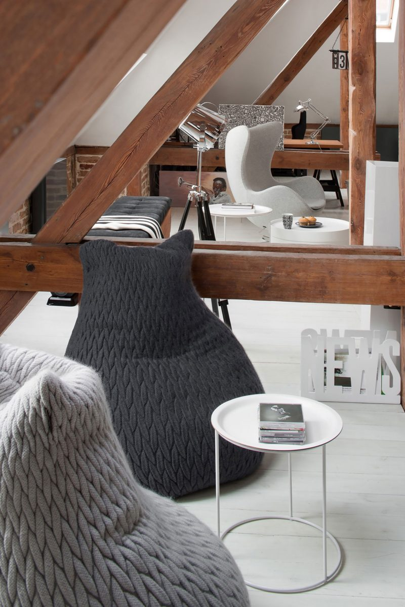 combles am nag s en loft pozna. Black Bedroom Furniture Sets. Home Design Ideas