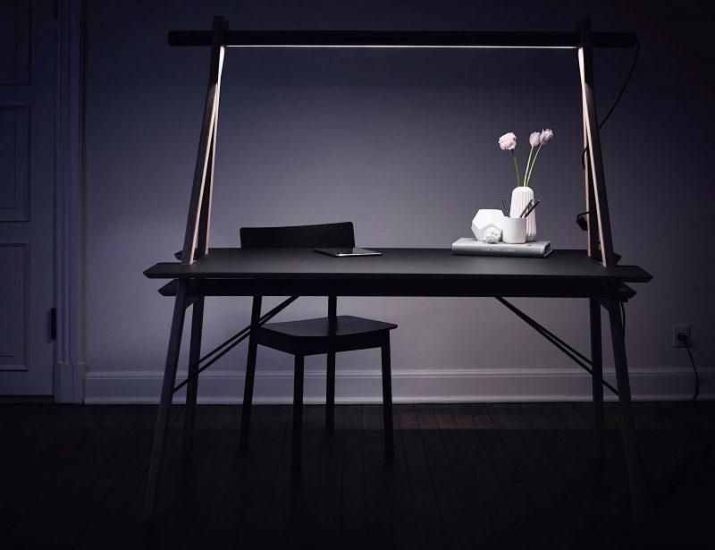 Bureau avec éclairage integré Woud