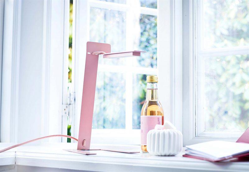 Lampe de bureau design rose Woud