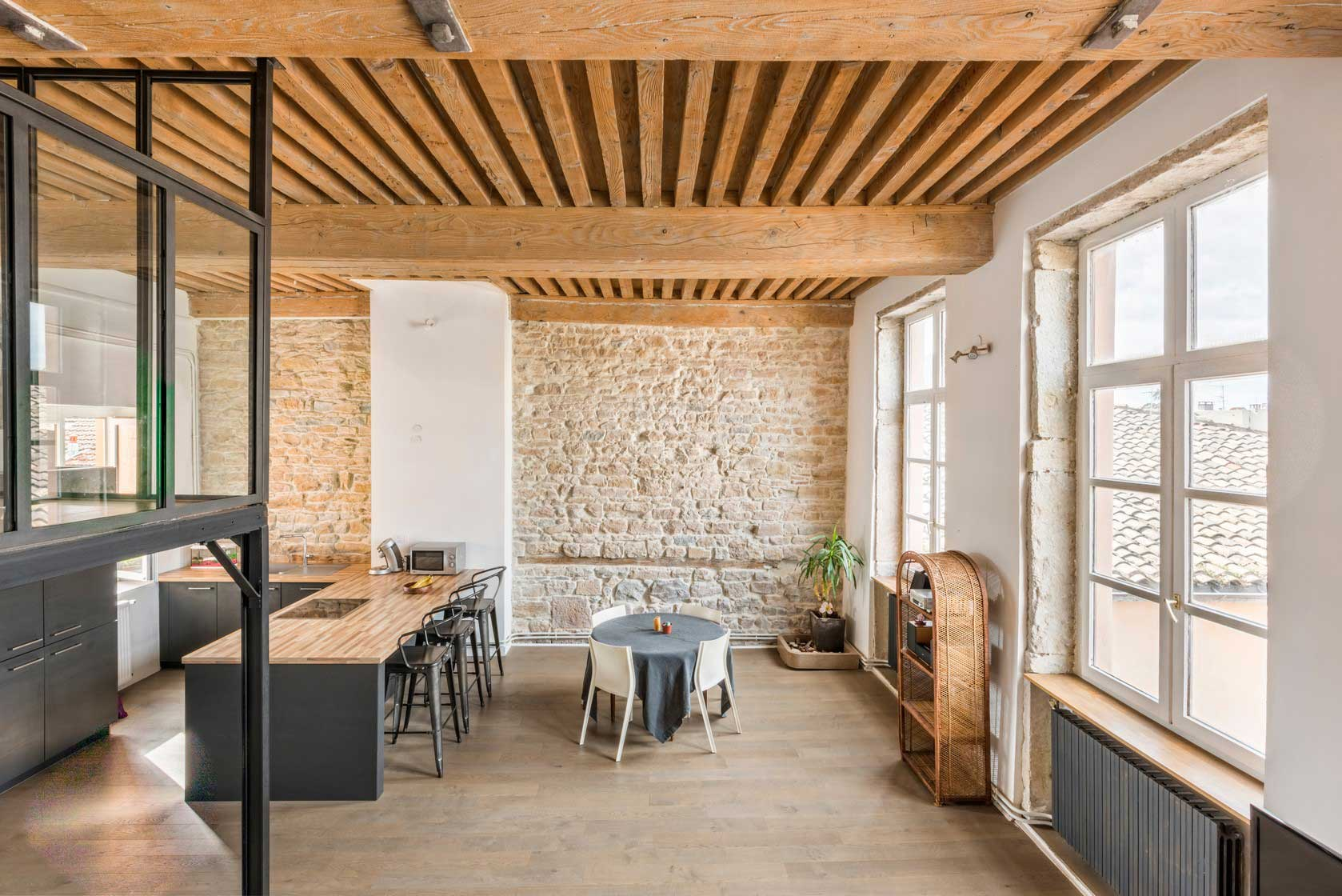 Loft vendre dans un ancien canut lyon for Achat appartement loft lyon