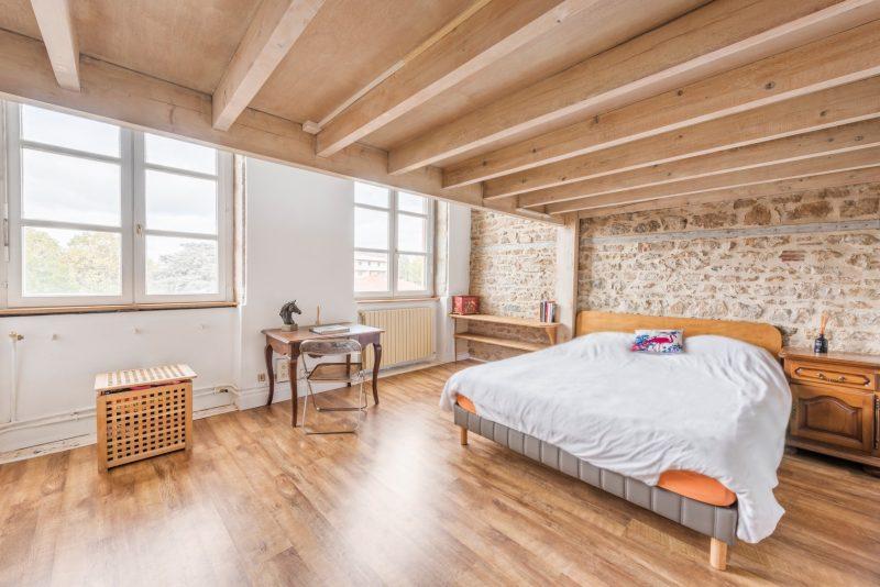 loft dans un ancien canut lyon. Black Bedroom Furniture Sets. Home Design Ideas