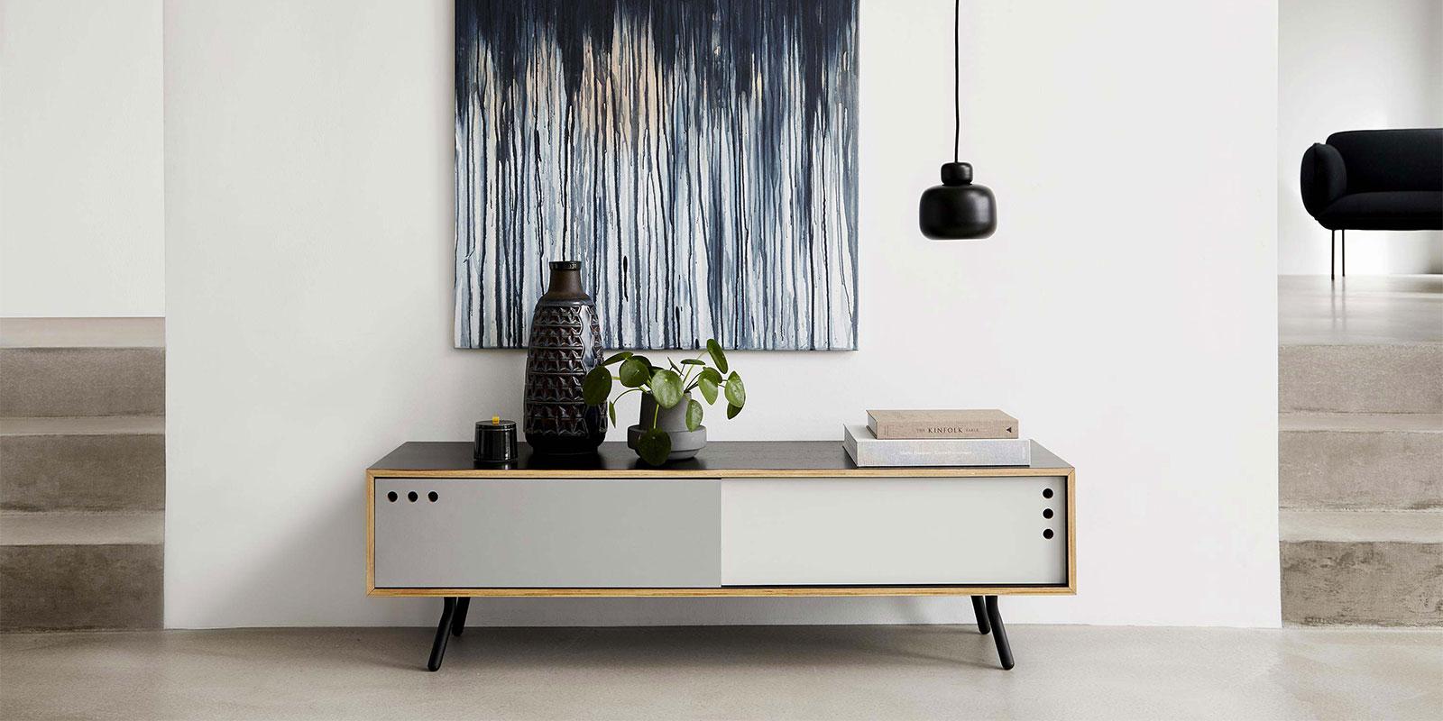 Woud, mobilier scandinave moderne