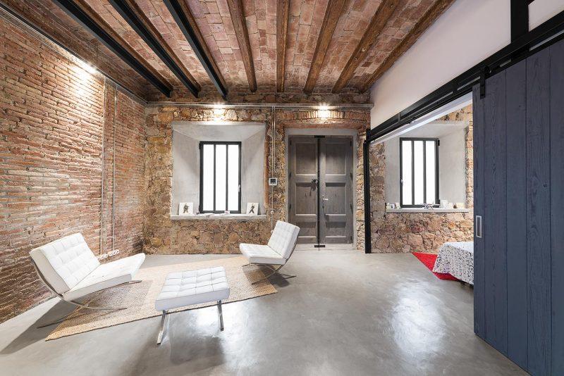 Chambre dans un loft industriel