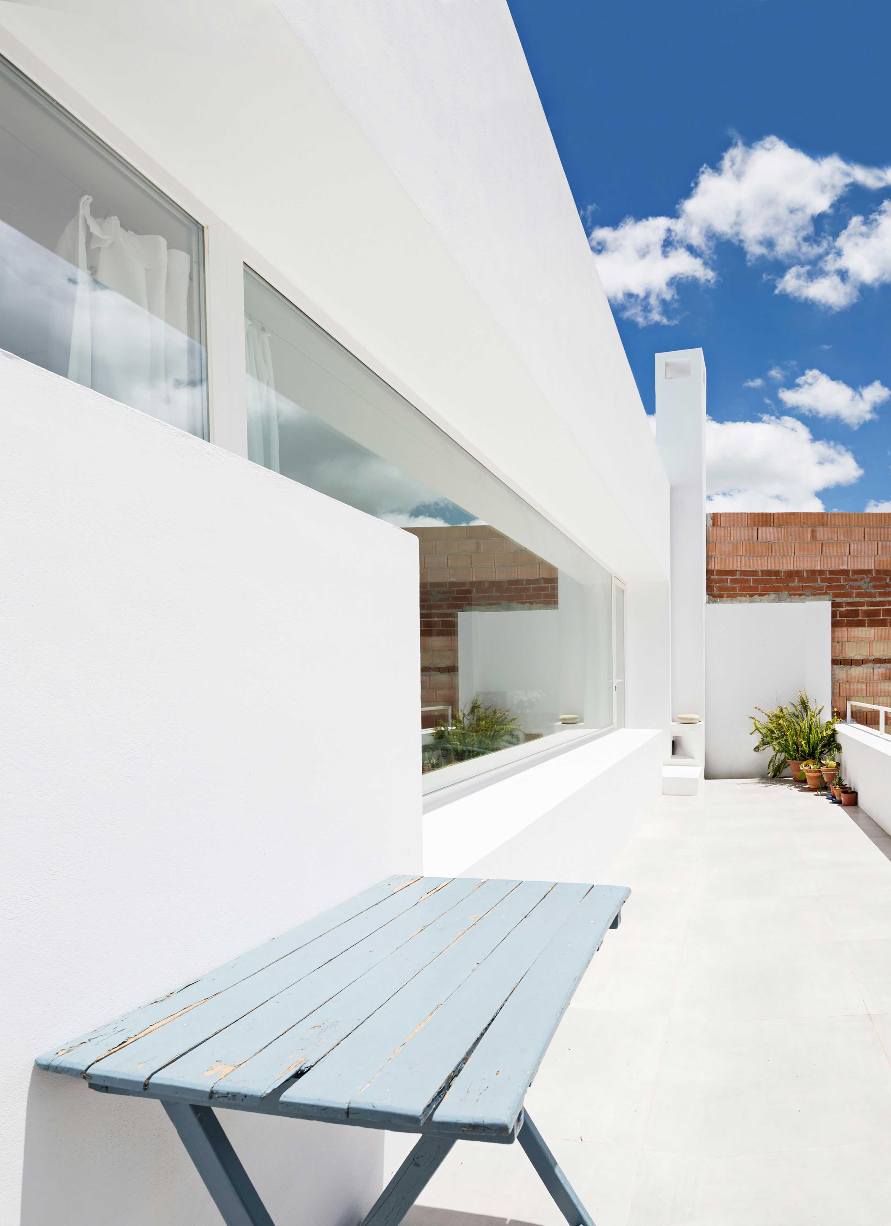 terrasse blanche. Black Bedroom Furniture Sets. Home Design Ideas