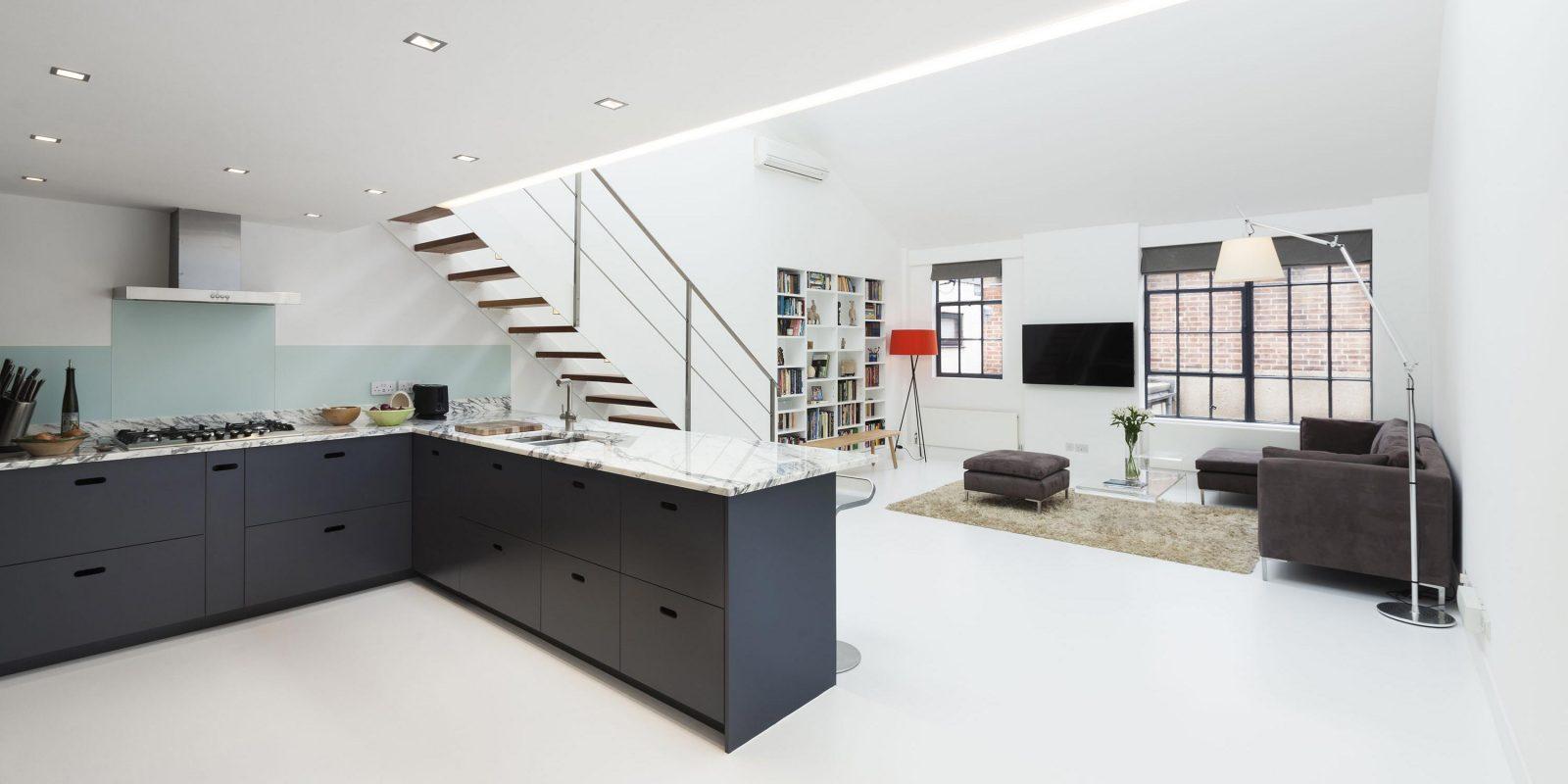 loft dans un ancien entrep t londres. Black Bedroom Furniture Sets. Home Design Ideas