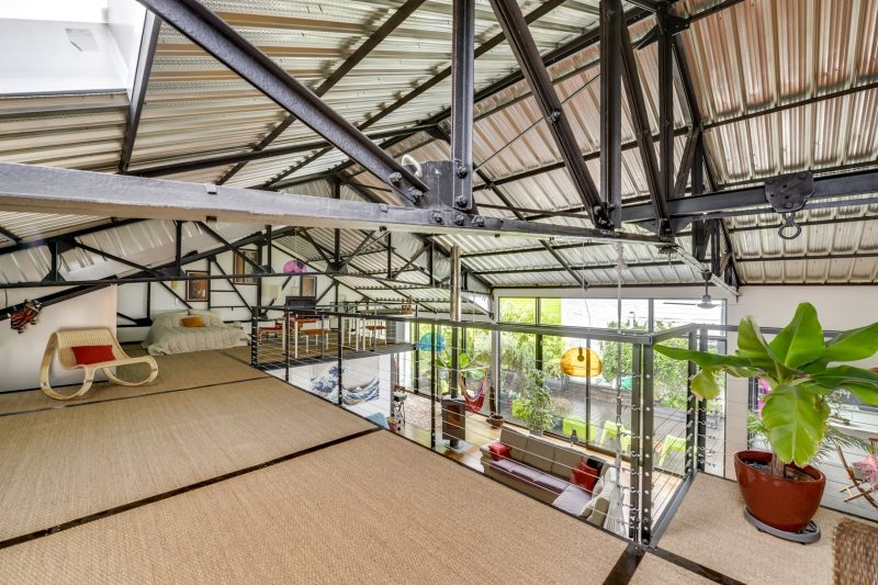 Loft dans un ancien garage automobile roubaix for Espace atypique loft