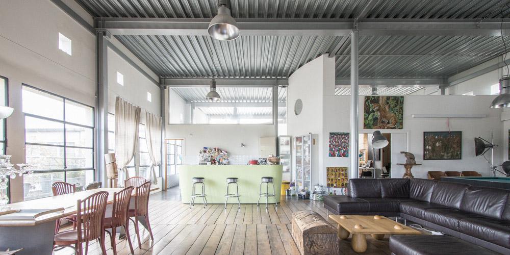 photos de lofts et ateliers de styles industriel moderne ou vintage. Black Bedroom Furniture Sets. Home Design Ideas