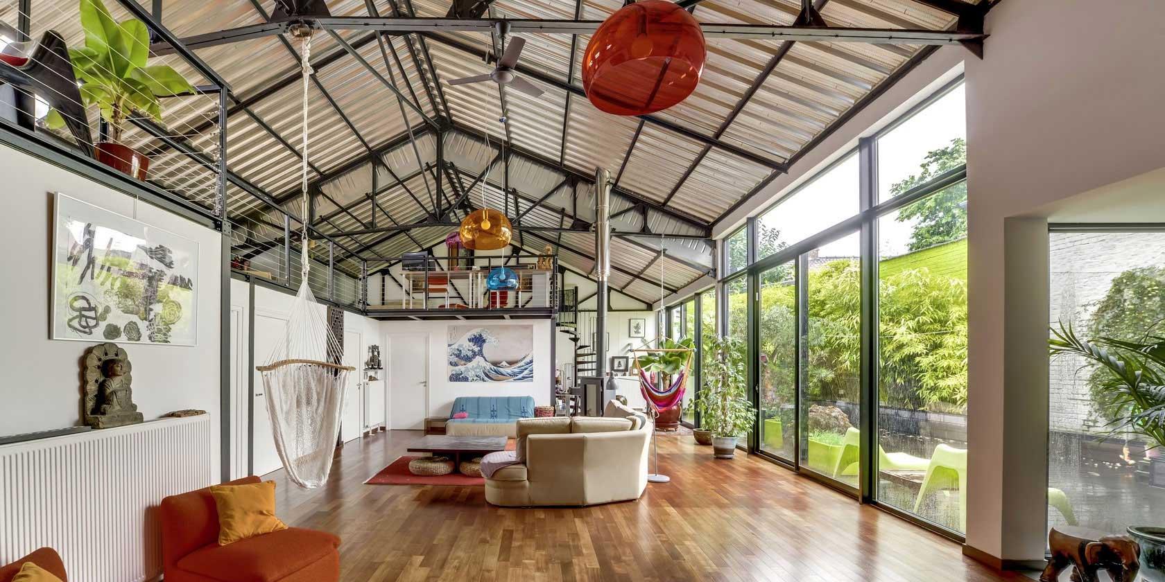 Loft dans un ancien garage automobile roubaix for Idee loft garage