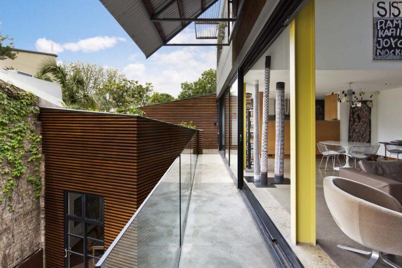 Loft avec garde corps verre